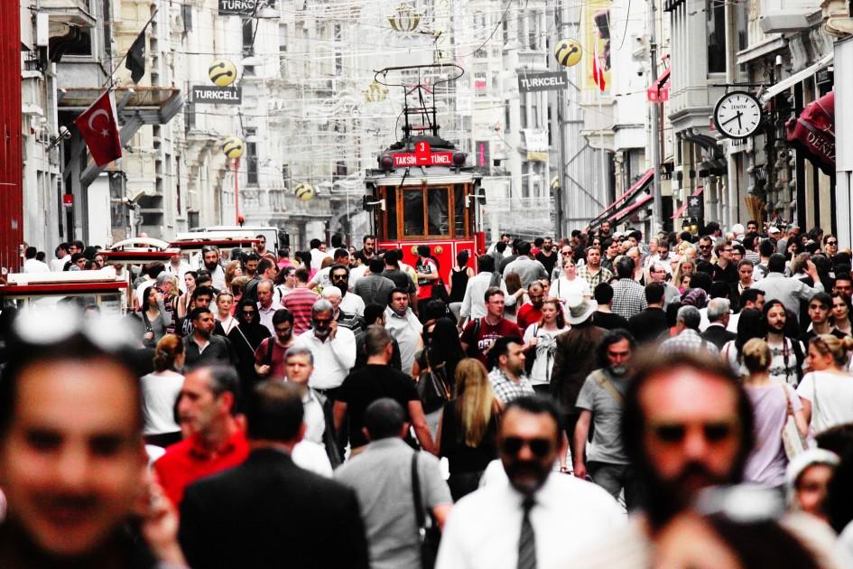 Tüketici Ve Perakendeci Gözünden İstiklal Caddesi